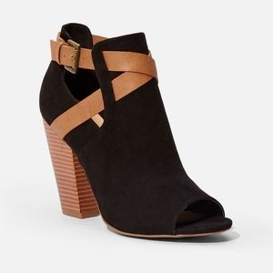 Justfab Denene Sandal EUC BLACK